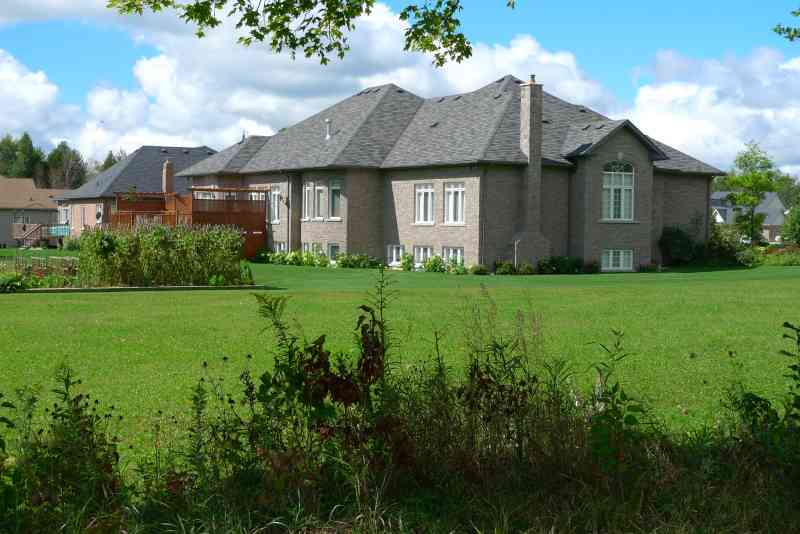 Luxurious builders home in caledon in estate subdivision for Ecoflow septic system