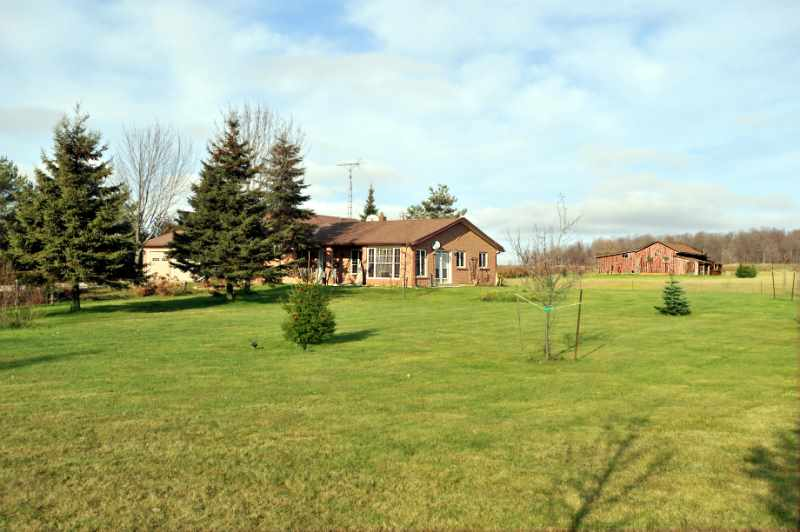 10 Acres, Older Barn, 3+1 Bedroom, 3-Car Garage, Close to Orangeville