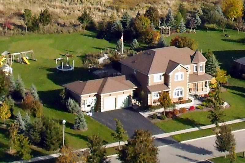 Caledon, Aerial of 5 Giles Road