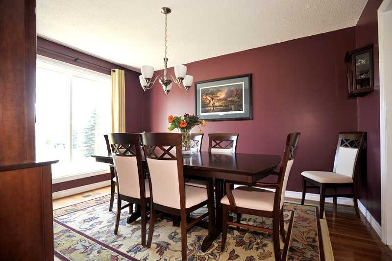 Dining Room, Natural Light, Hardwood Flooring