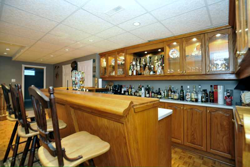 Wet Bar, Games Room