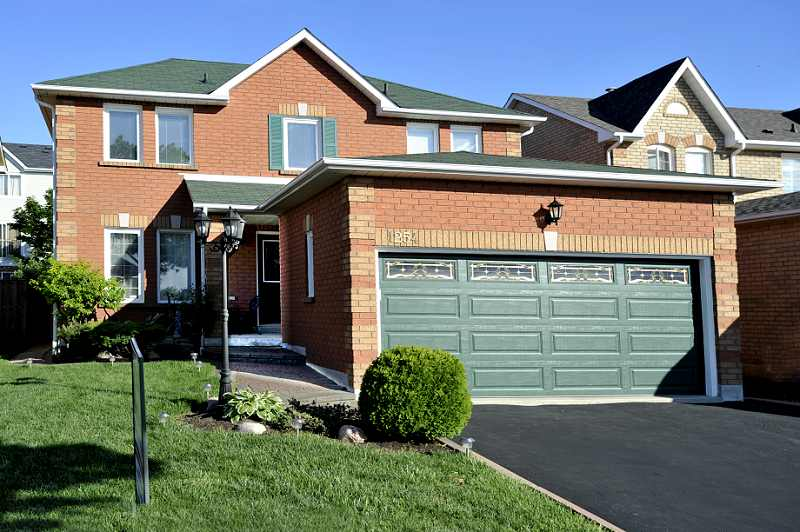 Mississauga home for sale, 4 Bedroom, 2.5 bath, East Credit