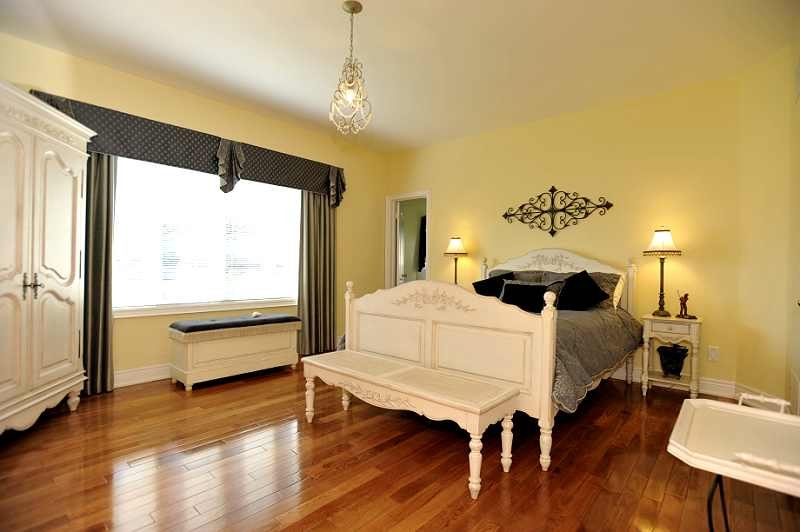 Caledon 3 2 bedroom bungalow for sale on quiet cul de sac Entry to master bedroom