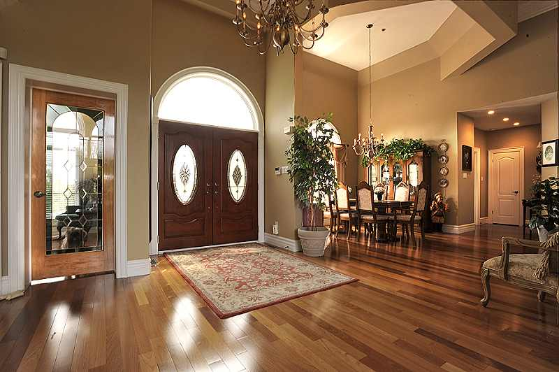 Open Concept Foyer : East garafraxa custom bungalow for sale