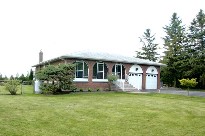 Caledon, real estate listing, 3 Bedroom, half acre