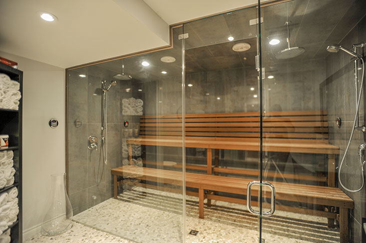 in your very own private spa steam room which has 2 commercial steam