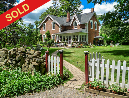 Caledon 1890's Victorian on 1.5 Acre