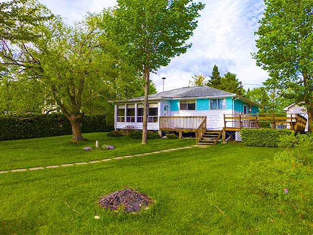 Lake Eugenia 3-Bedroom Waterfront Cottage