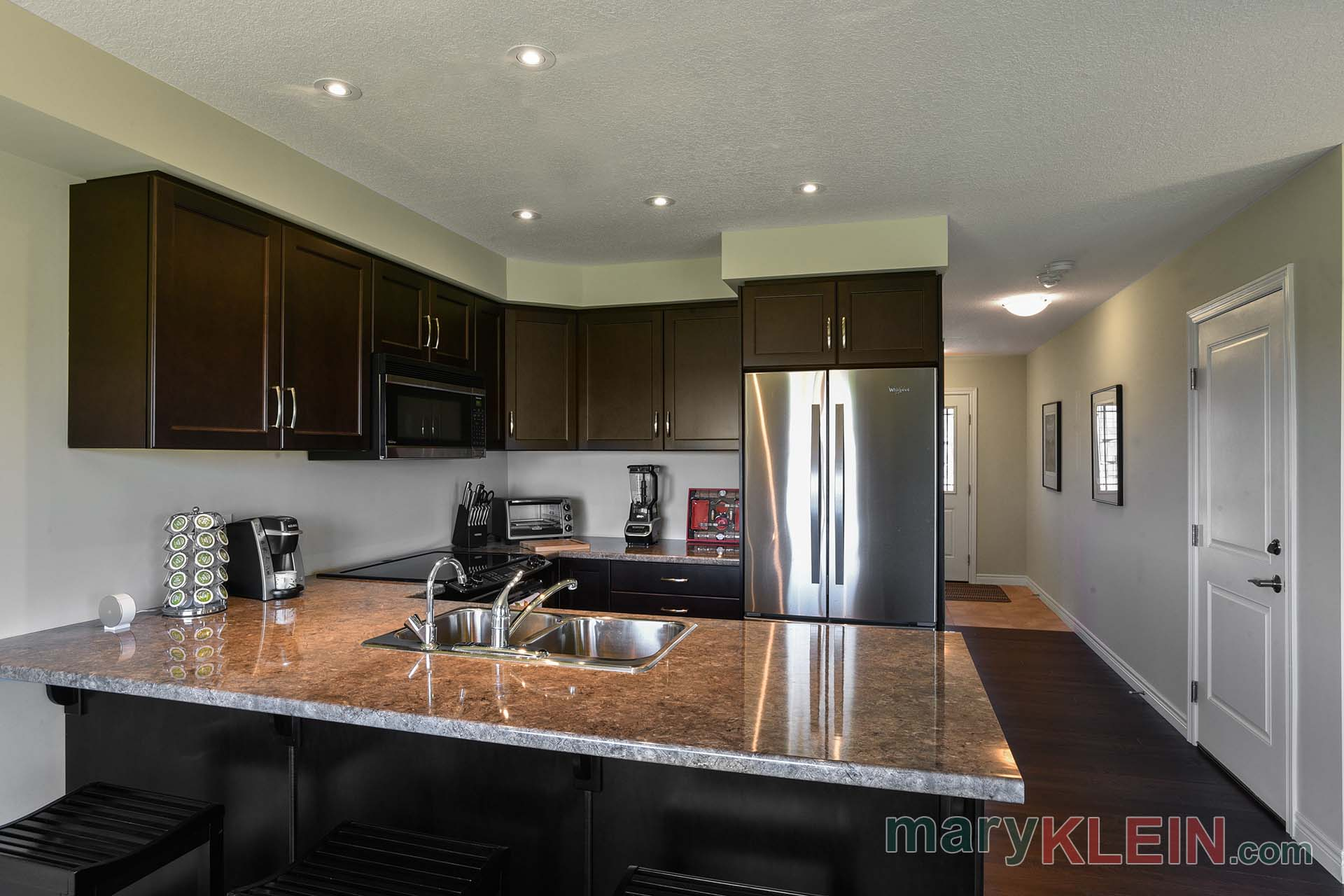 Kitchen, Pot Lights, breakfast stools