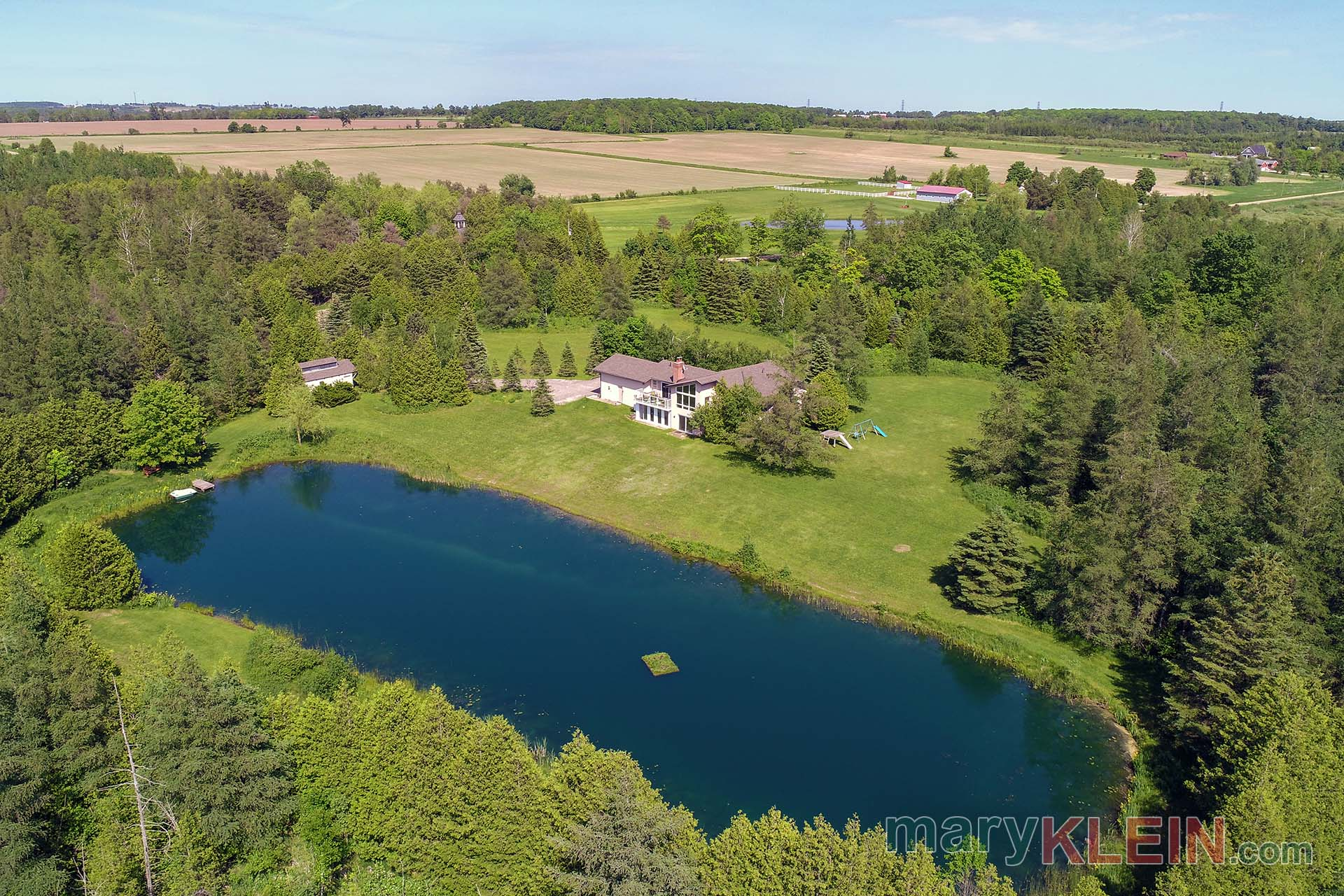 3 1 Bedroom Bungalow On 8 1 Acres W Pond For Sale Klein