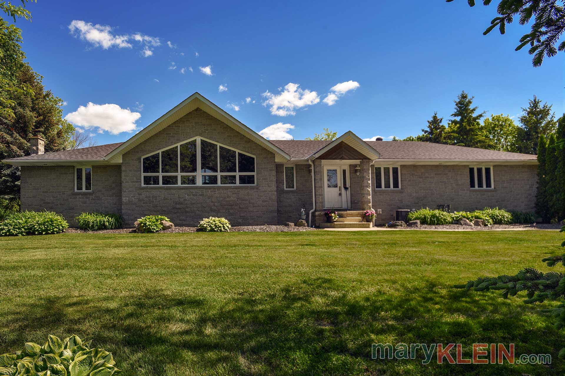 Stone Bungalow, For sale, Caledon, 4+1 Bedroom, Mary klein