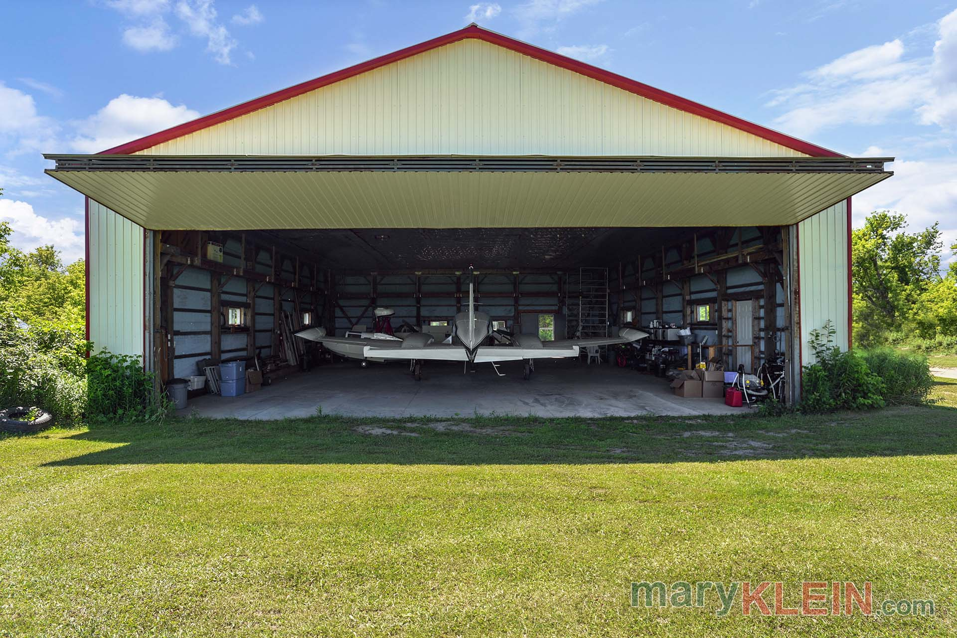 3000 Square Feet Air Plane Hangar For Sale, North of Orangeville,