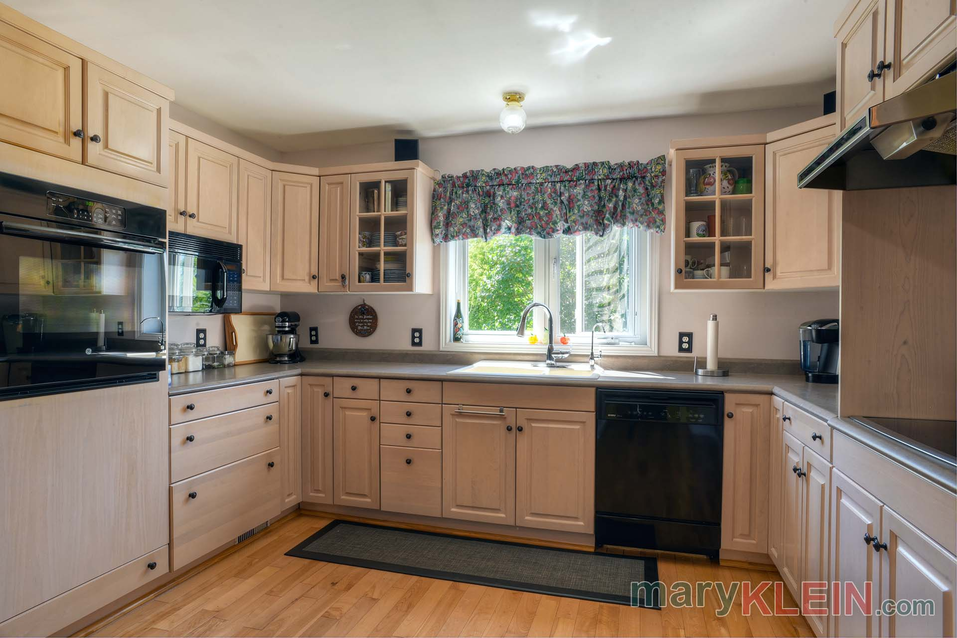 Bleached Maple Kitchen