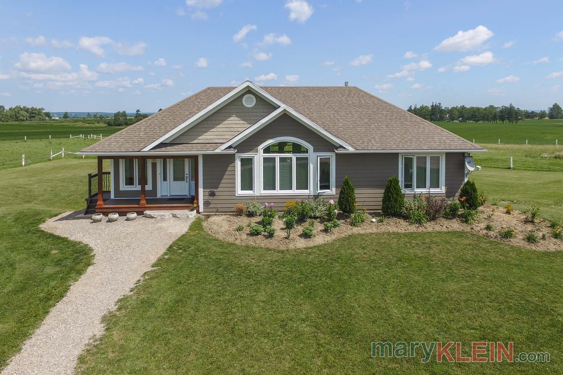 Newer Bungalow for sale, mono, ontario, mary klein, farm for sale
