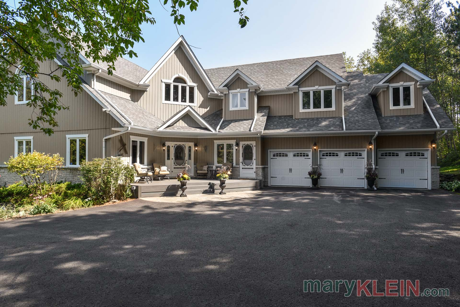 Open Concept Luxury Home in Caledon For Sale