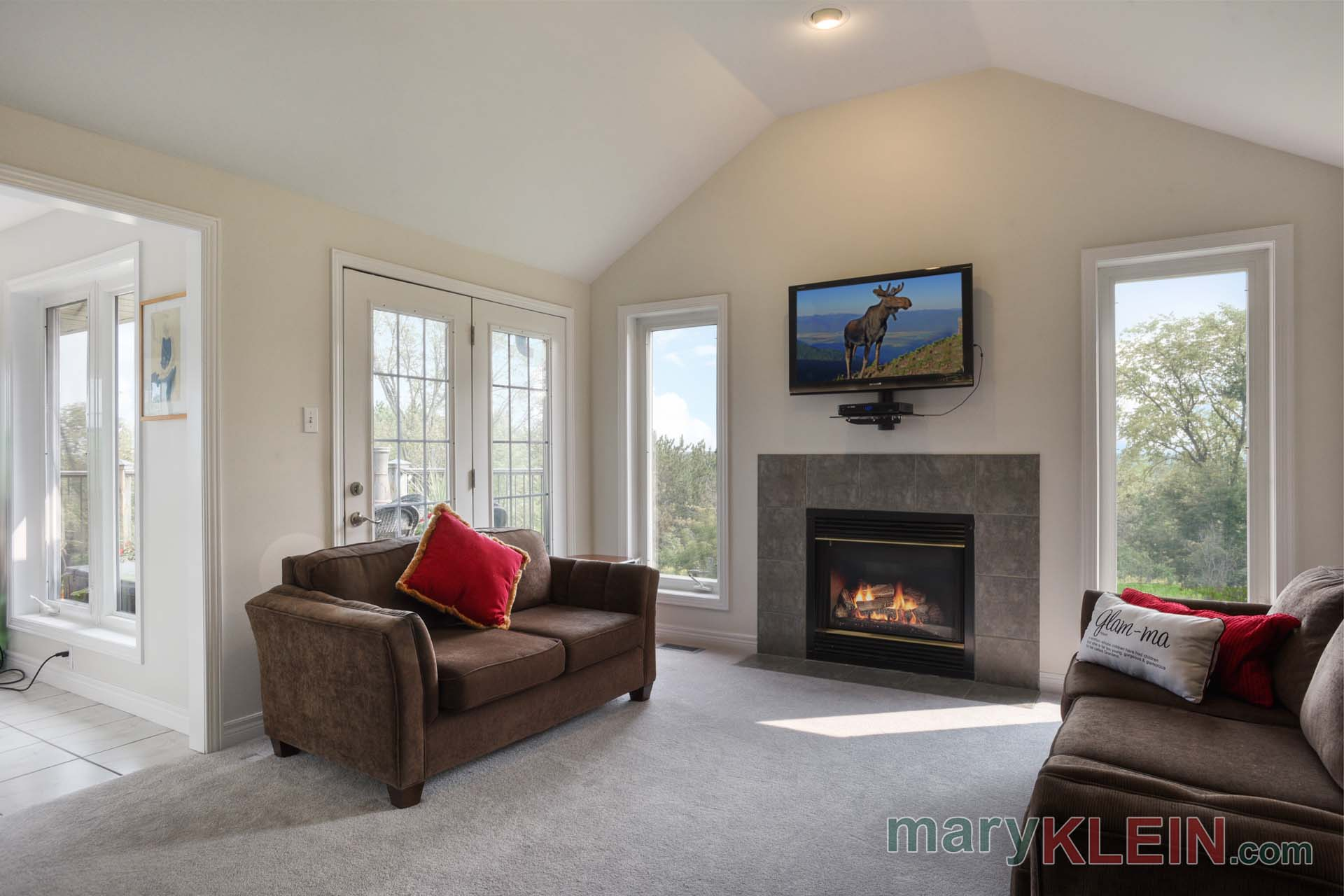 Great Room, French Doors to Deck