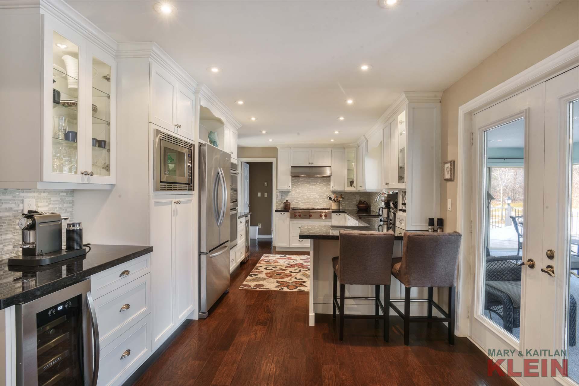 Kitchen, Renovated, Pot lighting