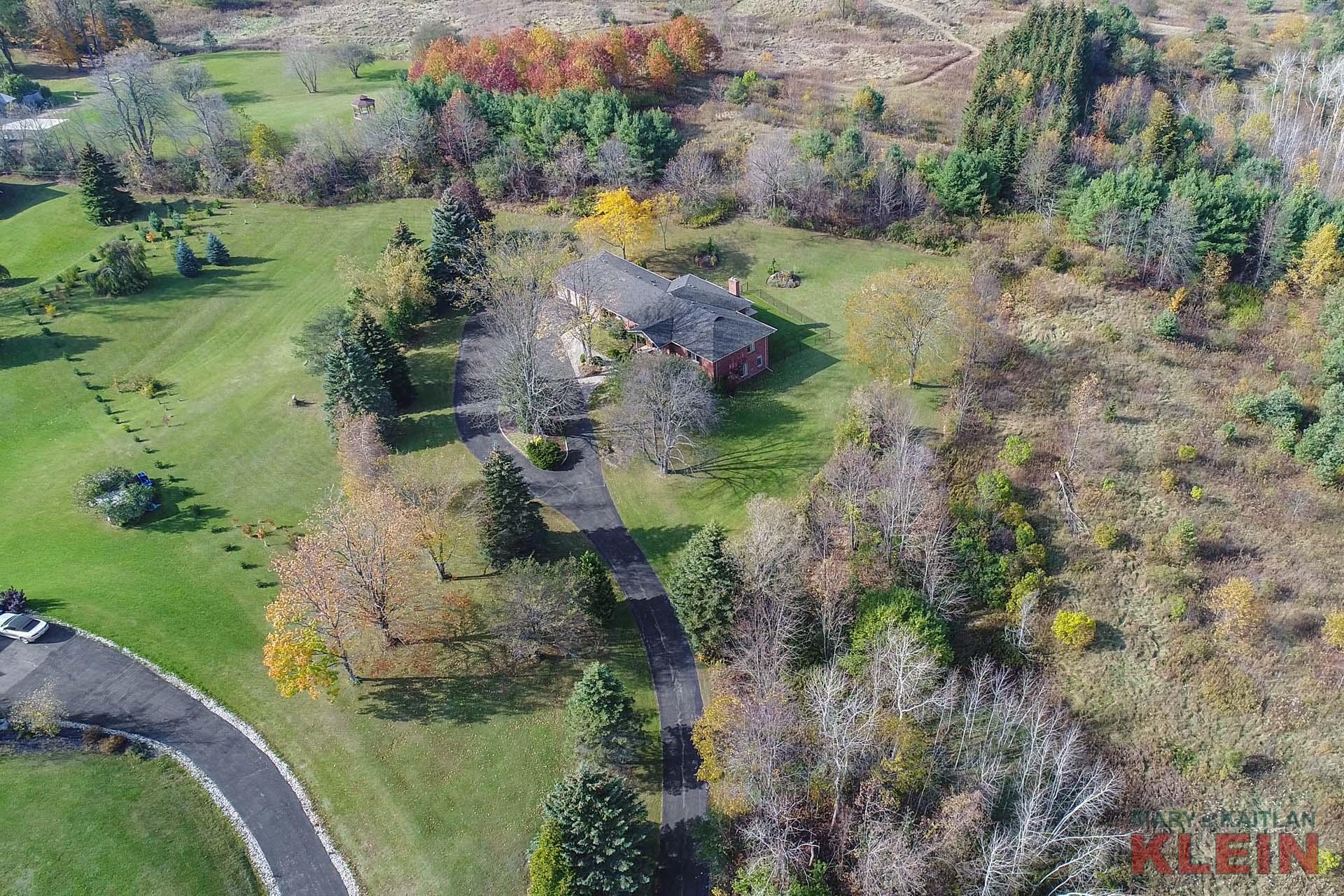 1.8 Acres, Home for Sale, Bungalow, Caledon, Alton, Mary Klein, Kaitlan Klein