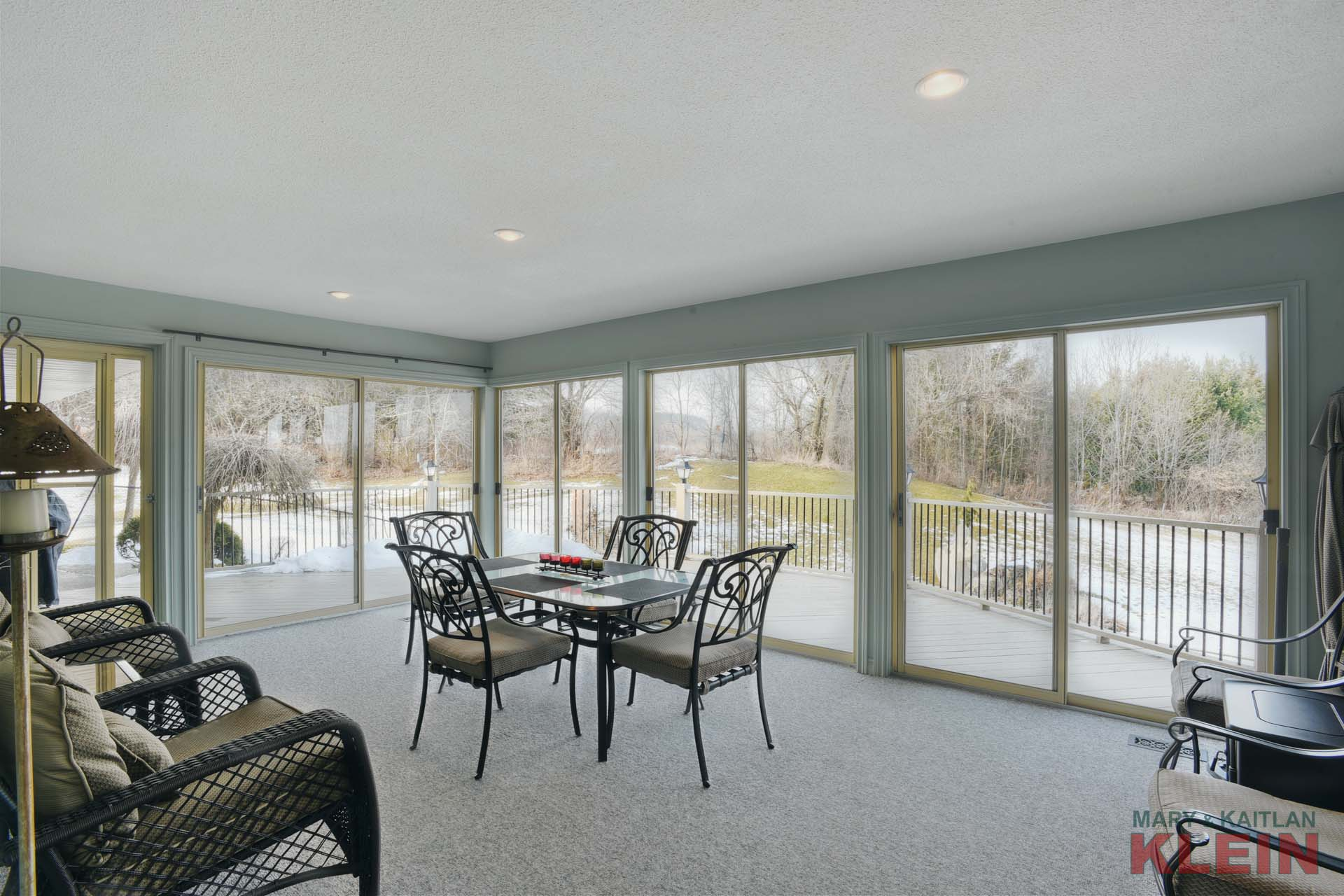 Caledon bungalow w walkout basement in law suite for sale for Walkout basement sunroom