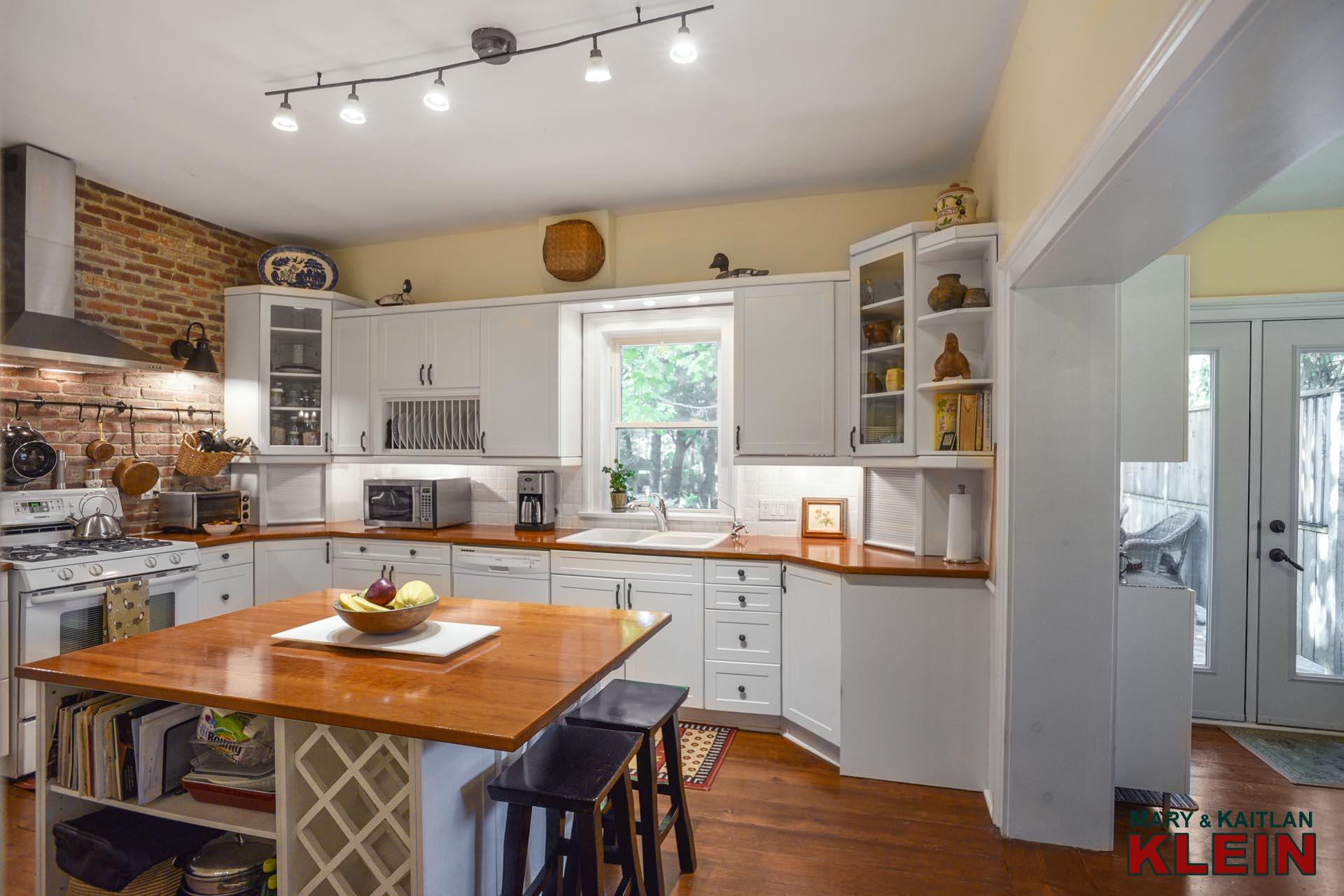 Kitchen, Sun Room, Backyard