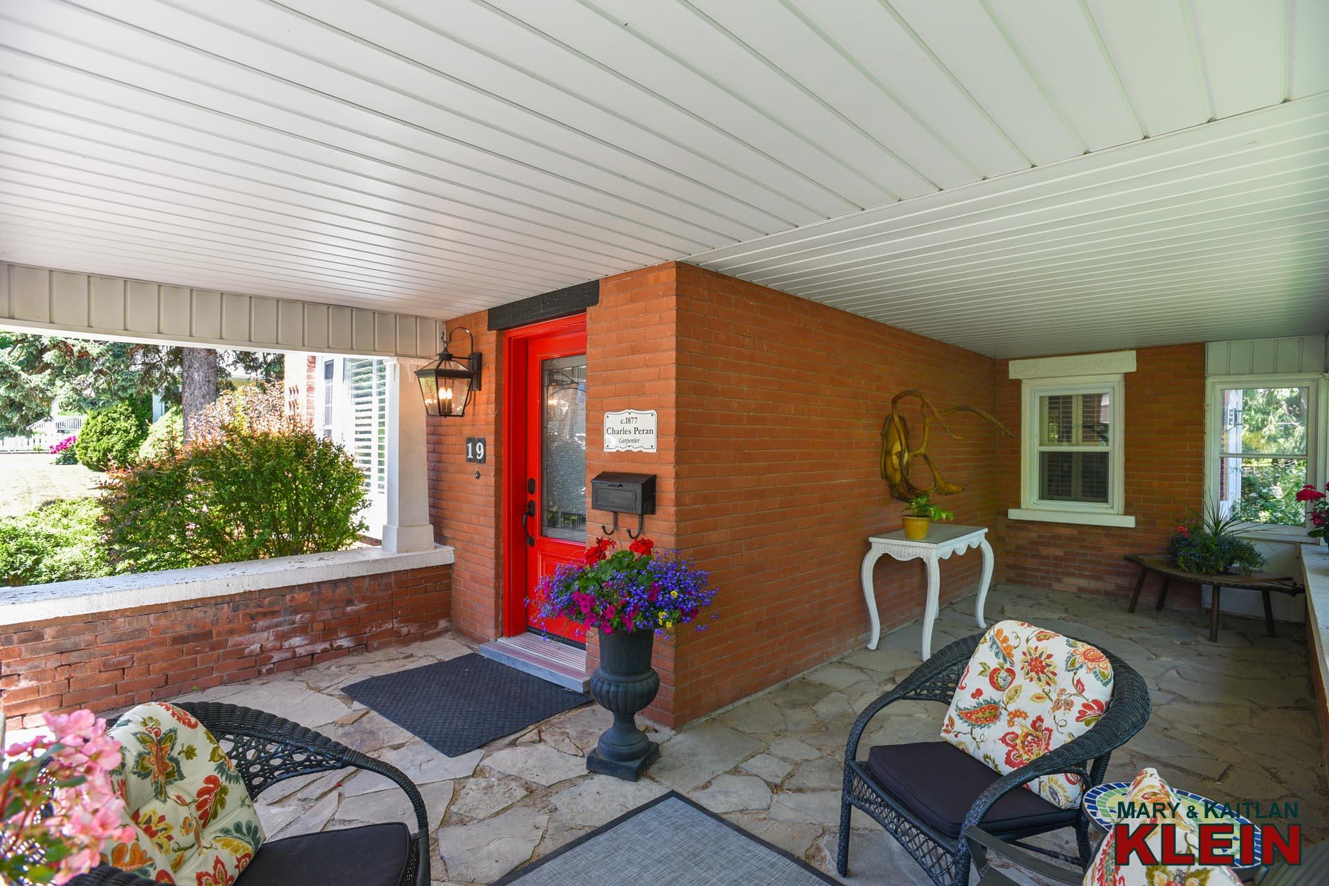 L-Shaped Covered Verandah, Orangeville Century Home