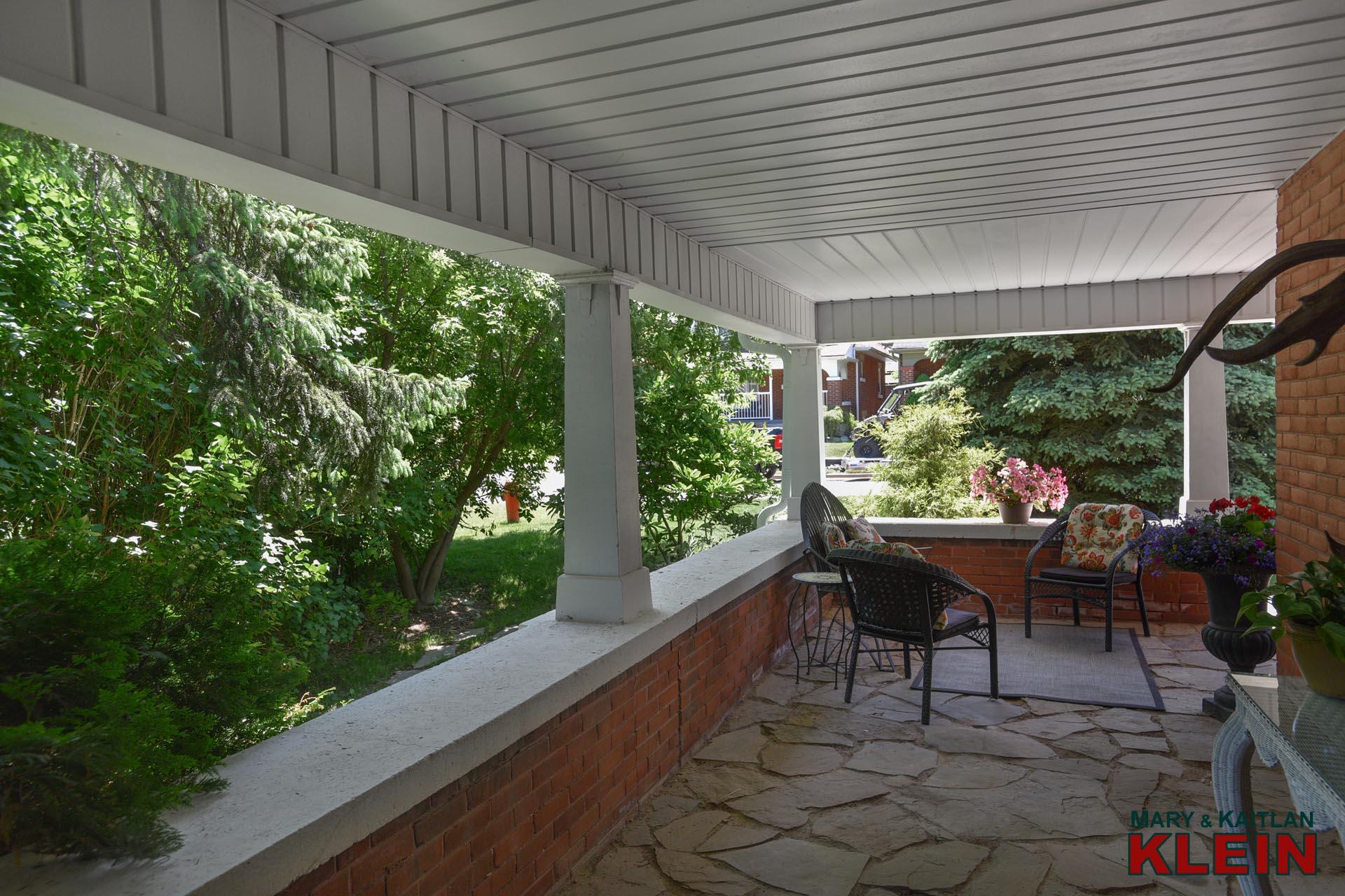 wrap around porch, front verandah