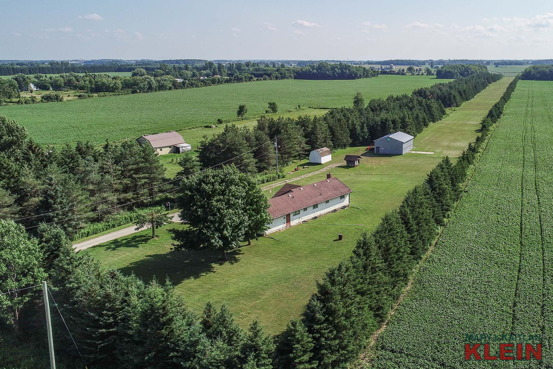 13 Acres, Arthur Ontario, Bungalow, Grass Landing Strip, Airplane Hangar