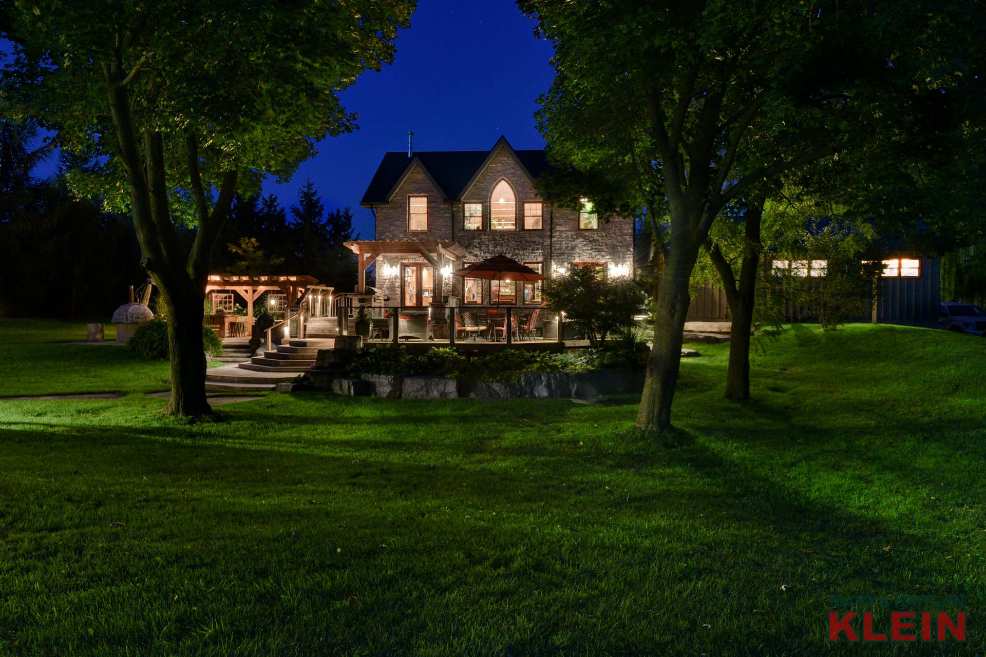 night picture, caledon estate home, acreage for sale, caledon escarpment