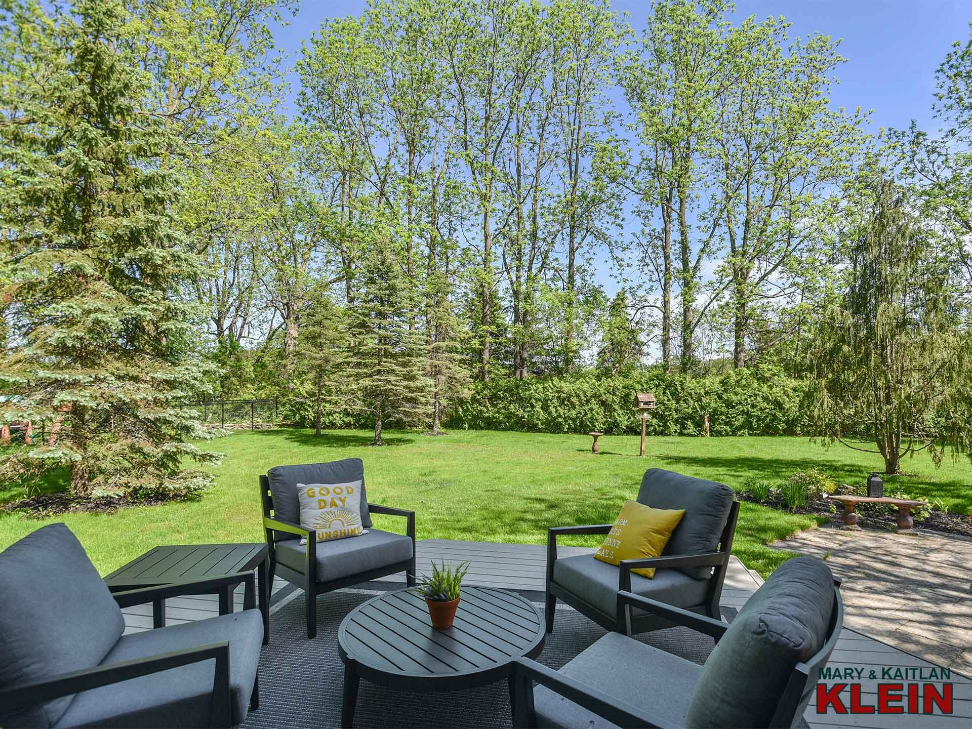backyard, 7 antrim court, views, towering trees