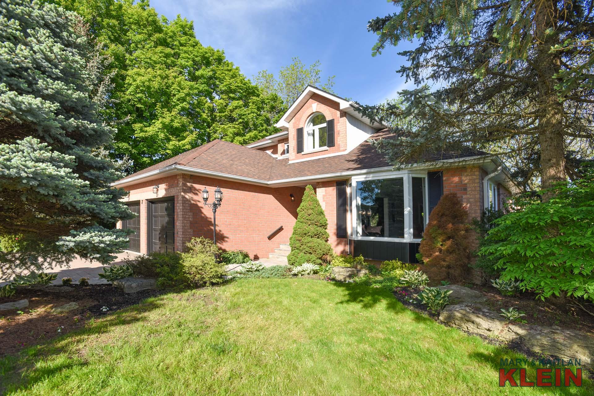 2 car garage, 2 Storey Home for sale, Klein Team