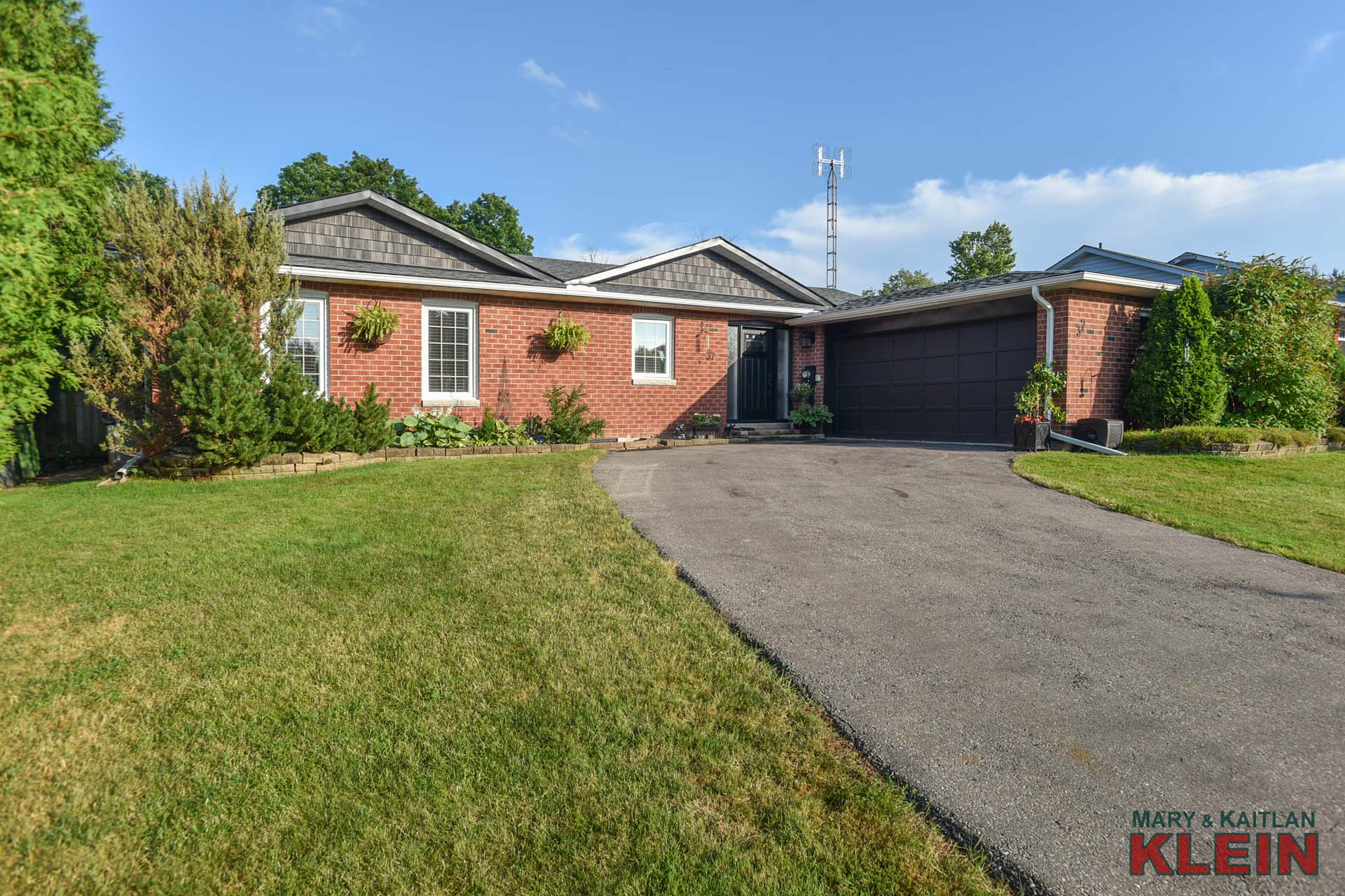 37 McClellan Road, Alton