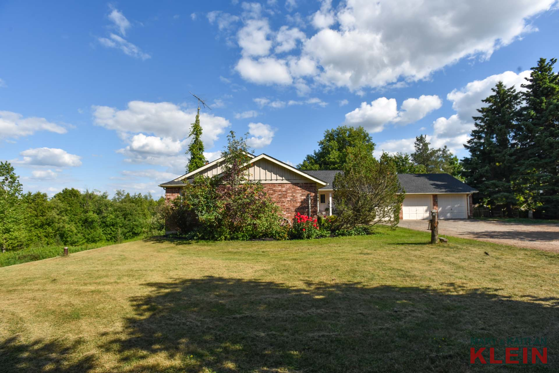 Gorgeous private mature lot, protected by CVC, Klein Team, Bungalow, Caledon for sale