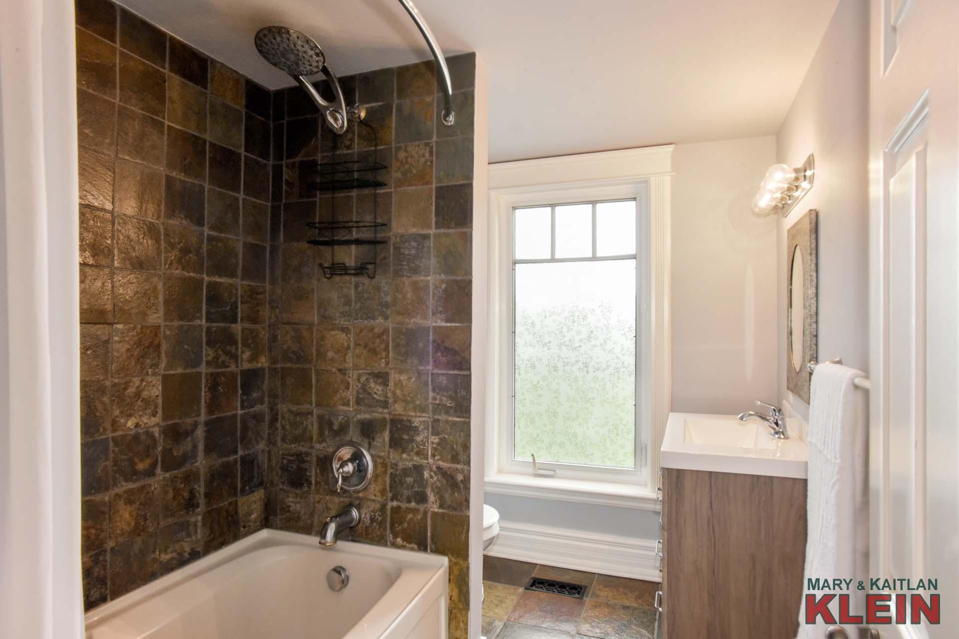 Main 4-Piece Bath on Second Level