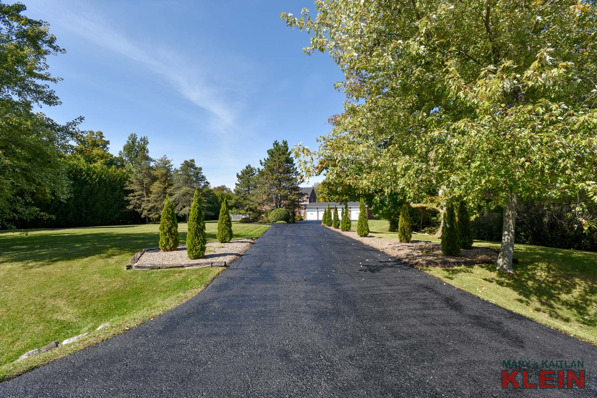 Paved Private circular Drive