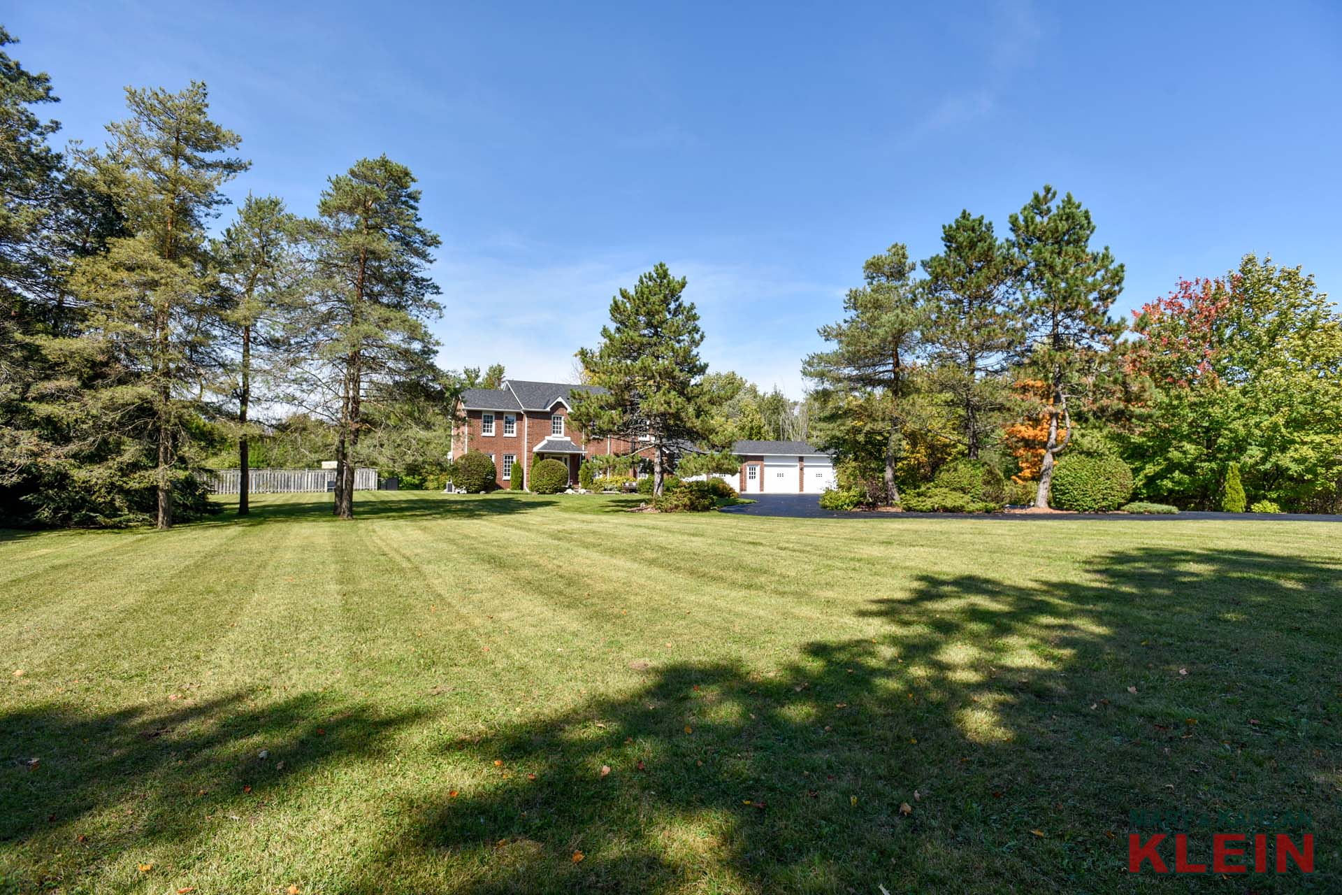 4 Car attached garage, 3.57 Acres in Tamarack Estates