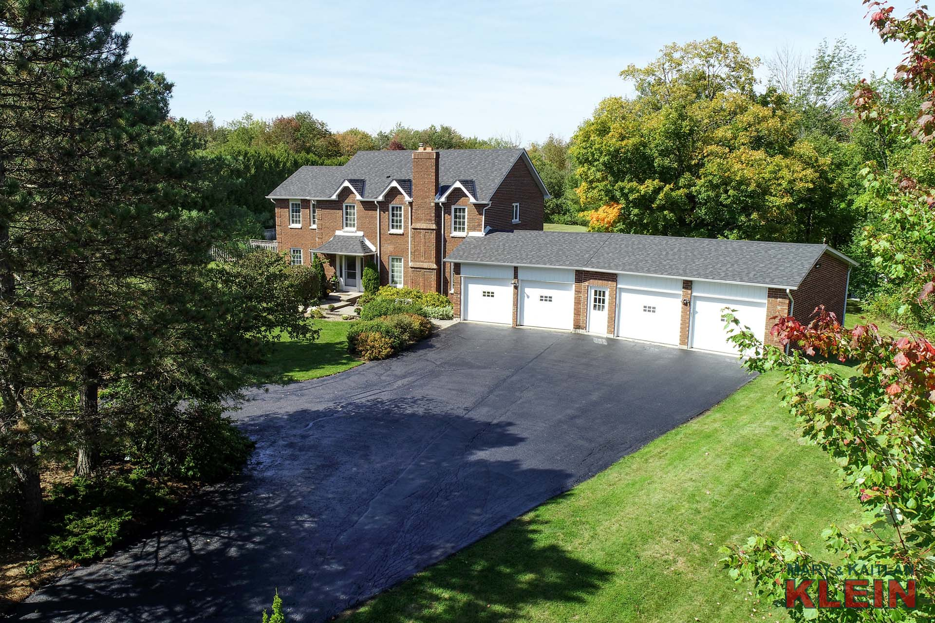 4-Bedroom Family Home for Sale in Caledon, 4 Car Garage, Klein