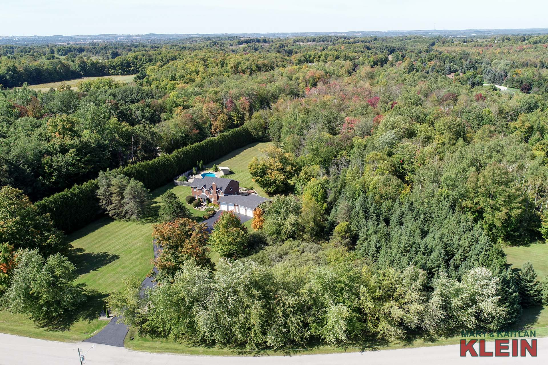 4 Car Garage, 4 bedroom home in Caledon
