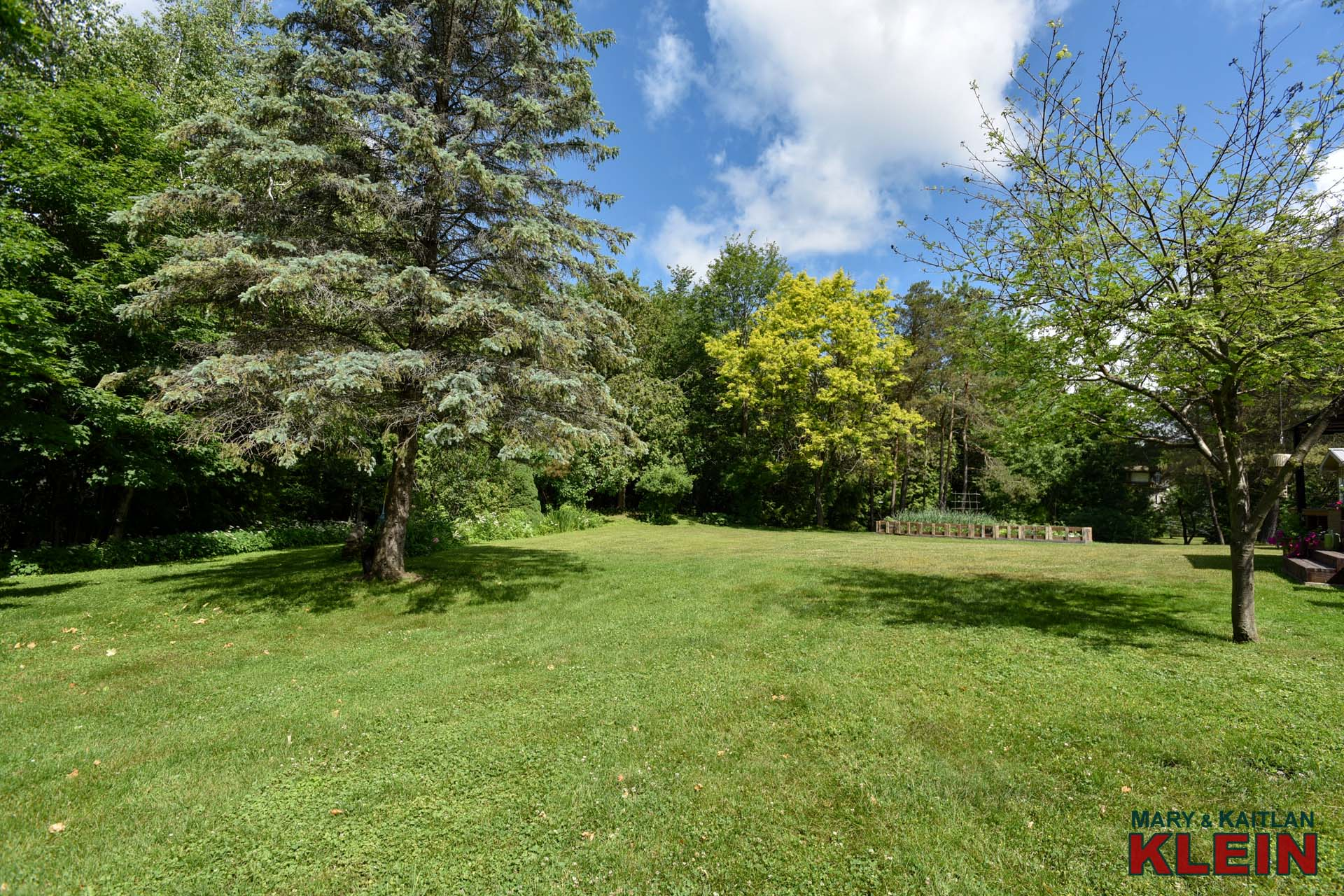 Mature Trees & Gardens