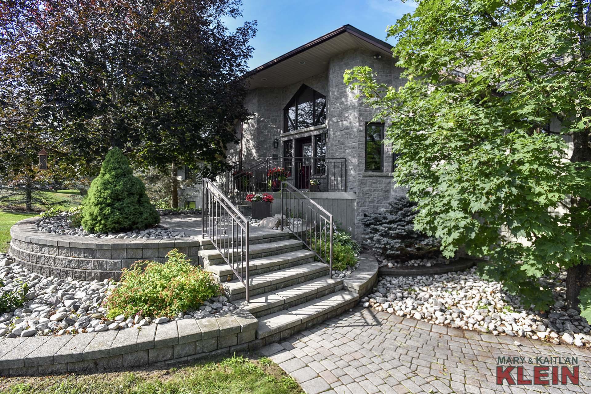 Interlocking Stone Walkways
