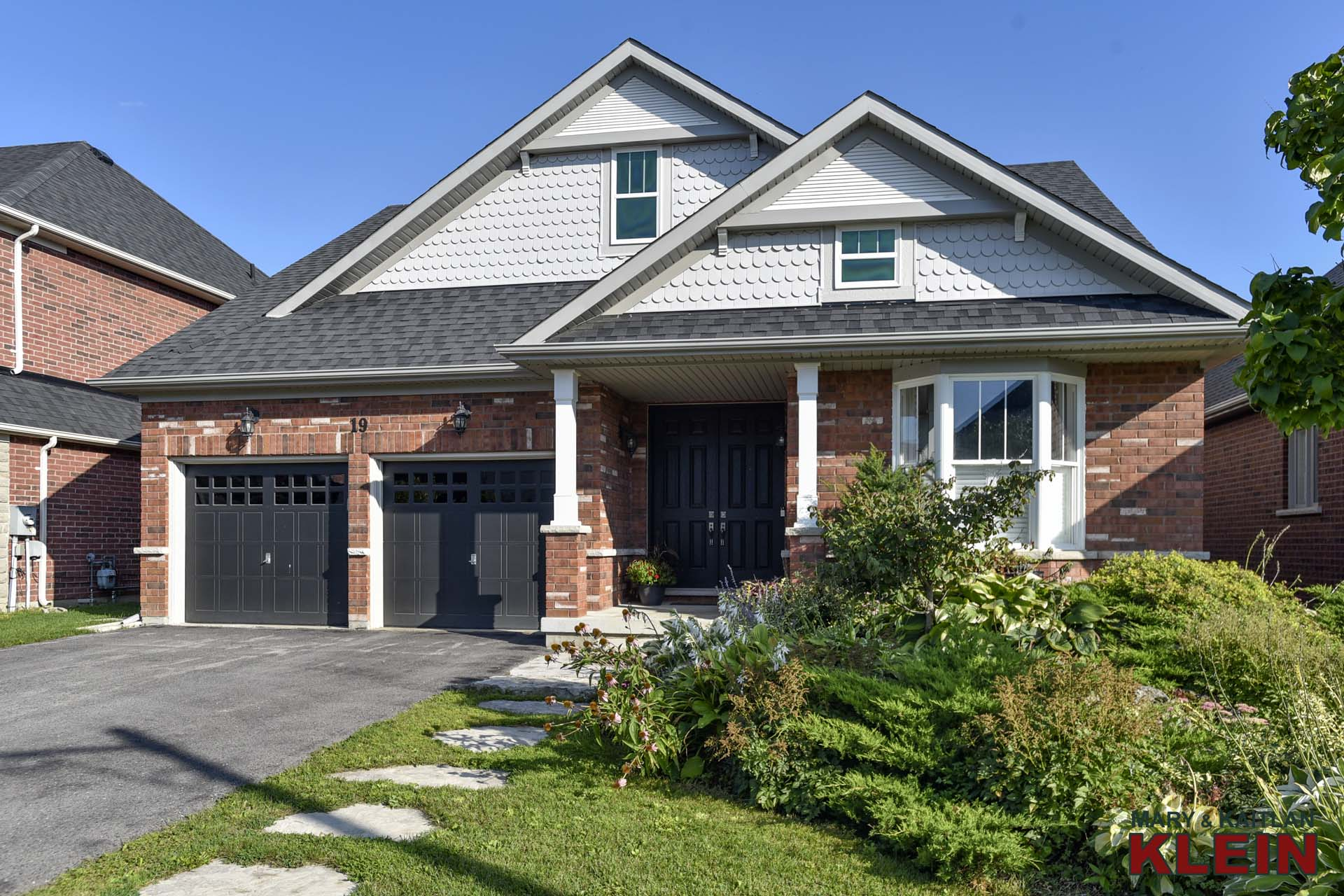 3 bedroom bungaloft for sale in caledon east with pool, kait klein, mary klein