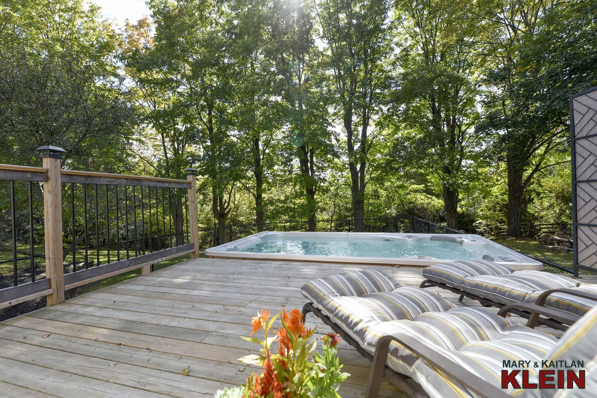 Sliding Door to Deck & Hydro Pool Swim Spa