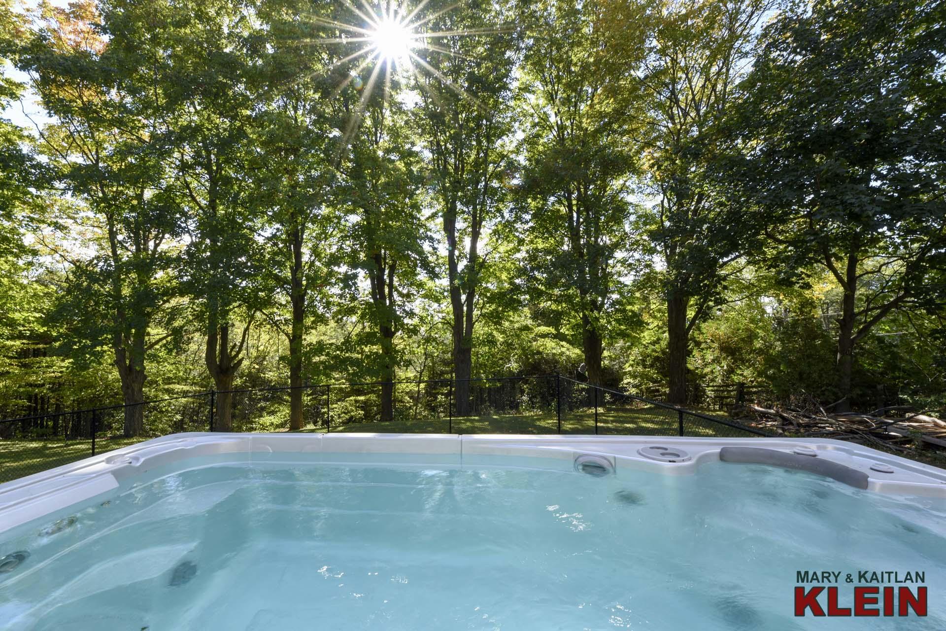 Hydro pool swim spa