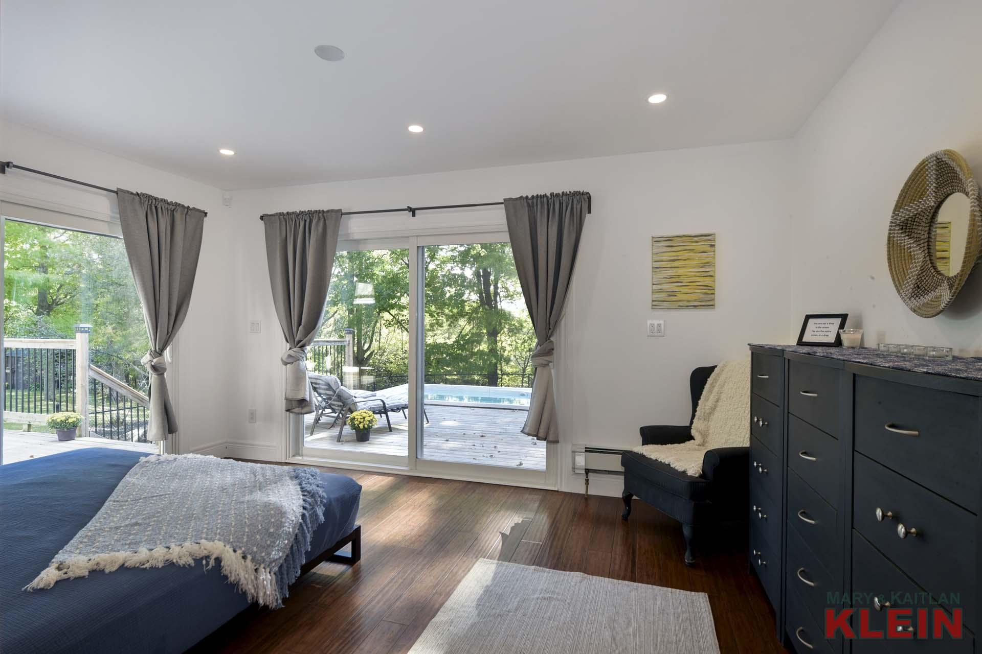 Master Bedroom - Bamboo Flooring, 3-piece Ensuite, Sliding Barn doors